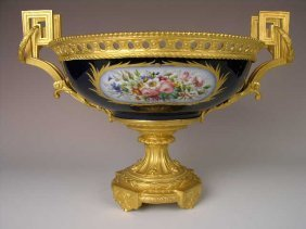 Porcelain Sevres Center Piece Bowl With Gold Omulo
