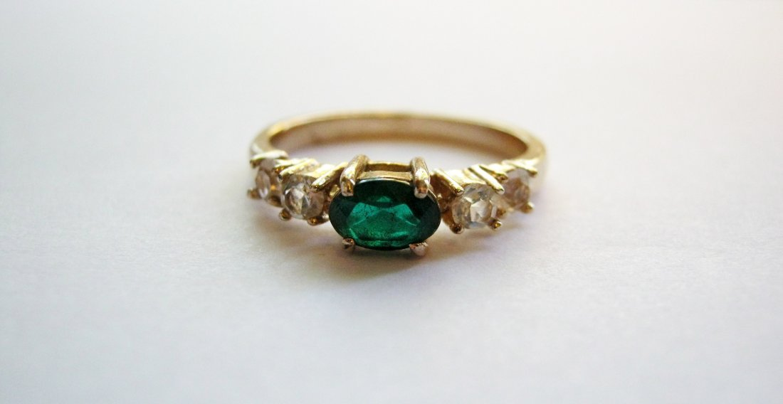 Women's Emerald and Gold Ring