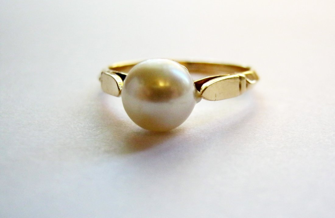 Women's Pearl and 14k Ring