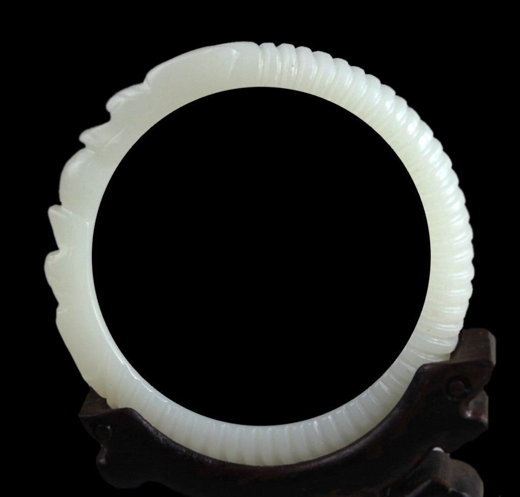 Superb White Jade Bangle
