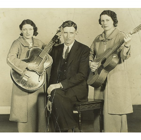 2: PHOTOGRAPH OF MAYBELLE, A.P. AND SARA - THE ORIGINAL