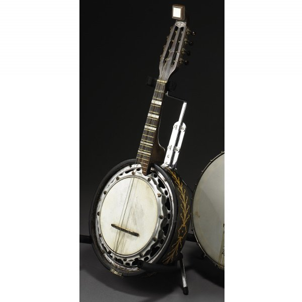 15: JUNE CARTER CASH MANDOLIN BANJO, WITH CASE