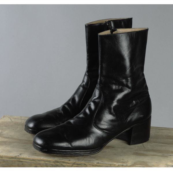 92: JOHNNY CASH BLACK LEATHER ANKLE HIGH BOOTS