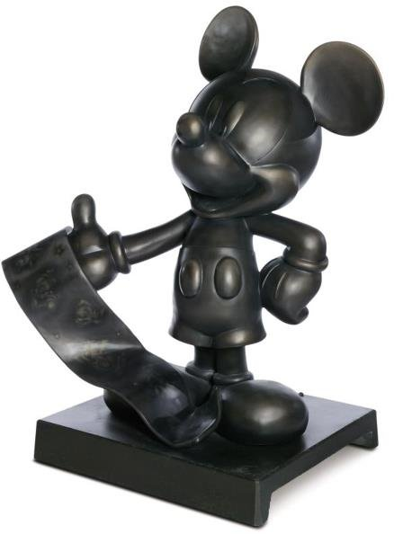 5: It Was All Started By A Mouse Mickey Statue: Vanessa