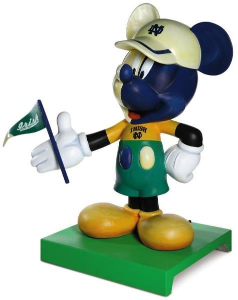 15: Super Fan Mickey Mickey Statue: Regis Philbin,   RE
