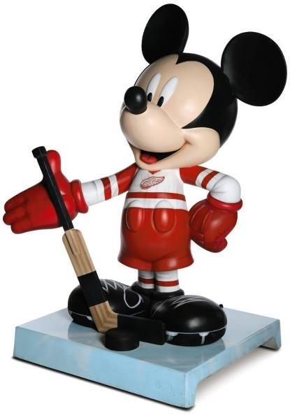 17: Slapstick Mouse Mickey Statue: Jerry Bruckheimer,