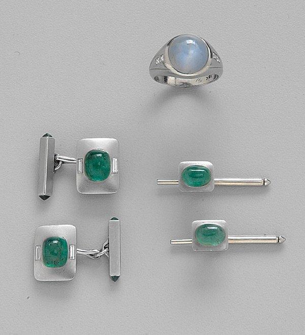 256: PLATINUM, EMERALD & DIAMOND DRESS SET, C