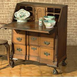 86: A CHIPPENDALE STYLE MAHOGANY SLANT-FRONT DESK