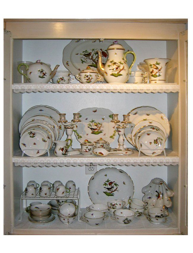 Hungarian Painted Porcelain Dinner Service, Herend