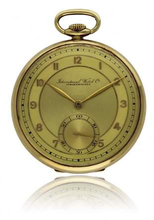 A GENTLEMAN'S 14K GOLD IWC POCKET WATCH CIRCA 1940s D: