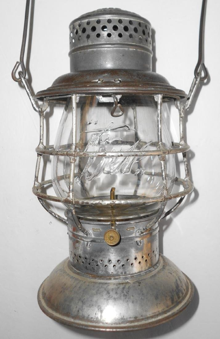 Delaware & Hudson Bellbottom Lantern EB Logo Globe