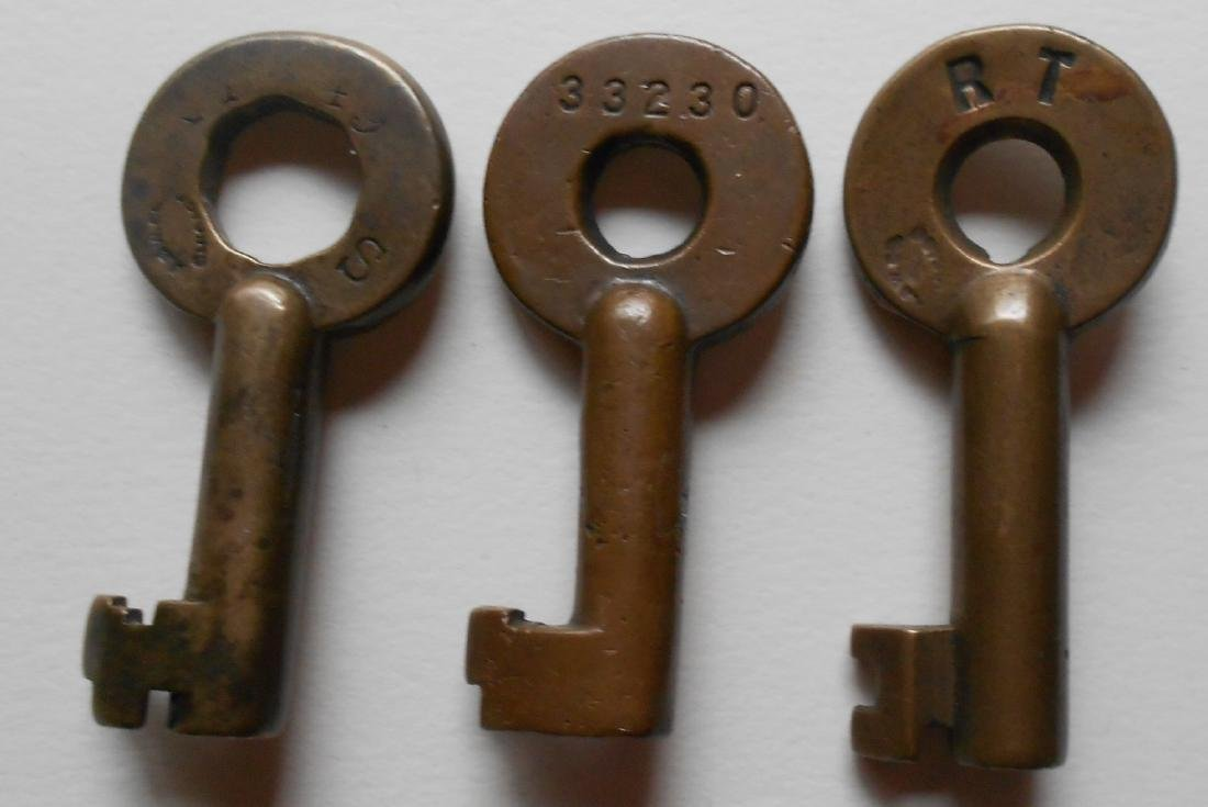 3 Brass Switch Keys Big Four CCC&StL - 2