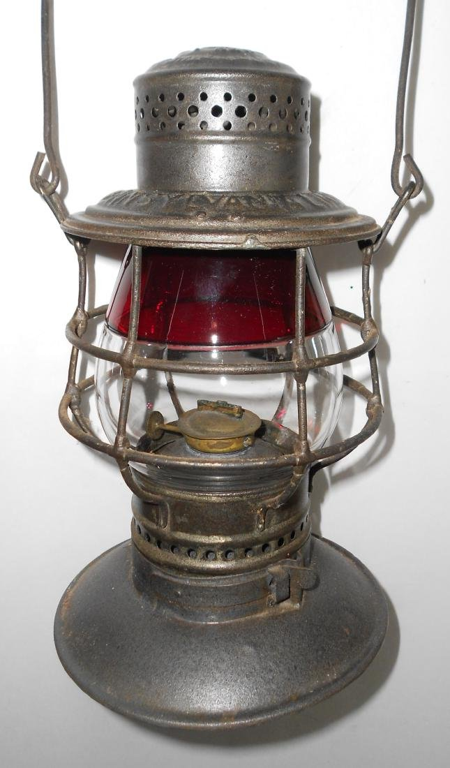 Red / Clear #39 Globe in Penna Lines BB Lantern Frame