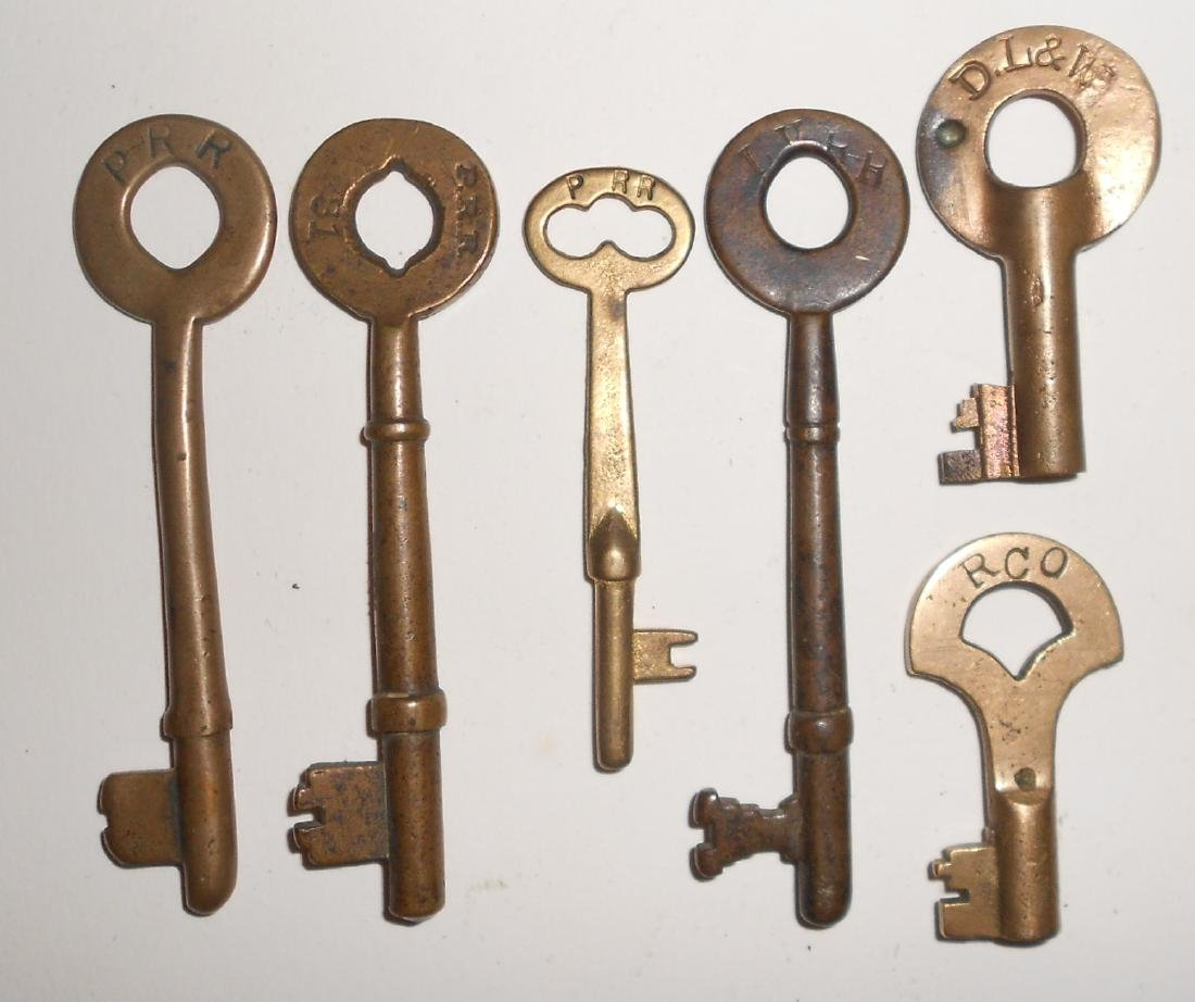 6 Keys with some Coach and Switch