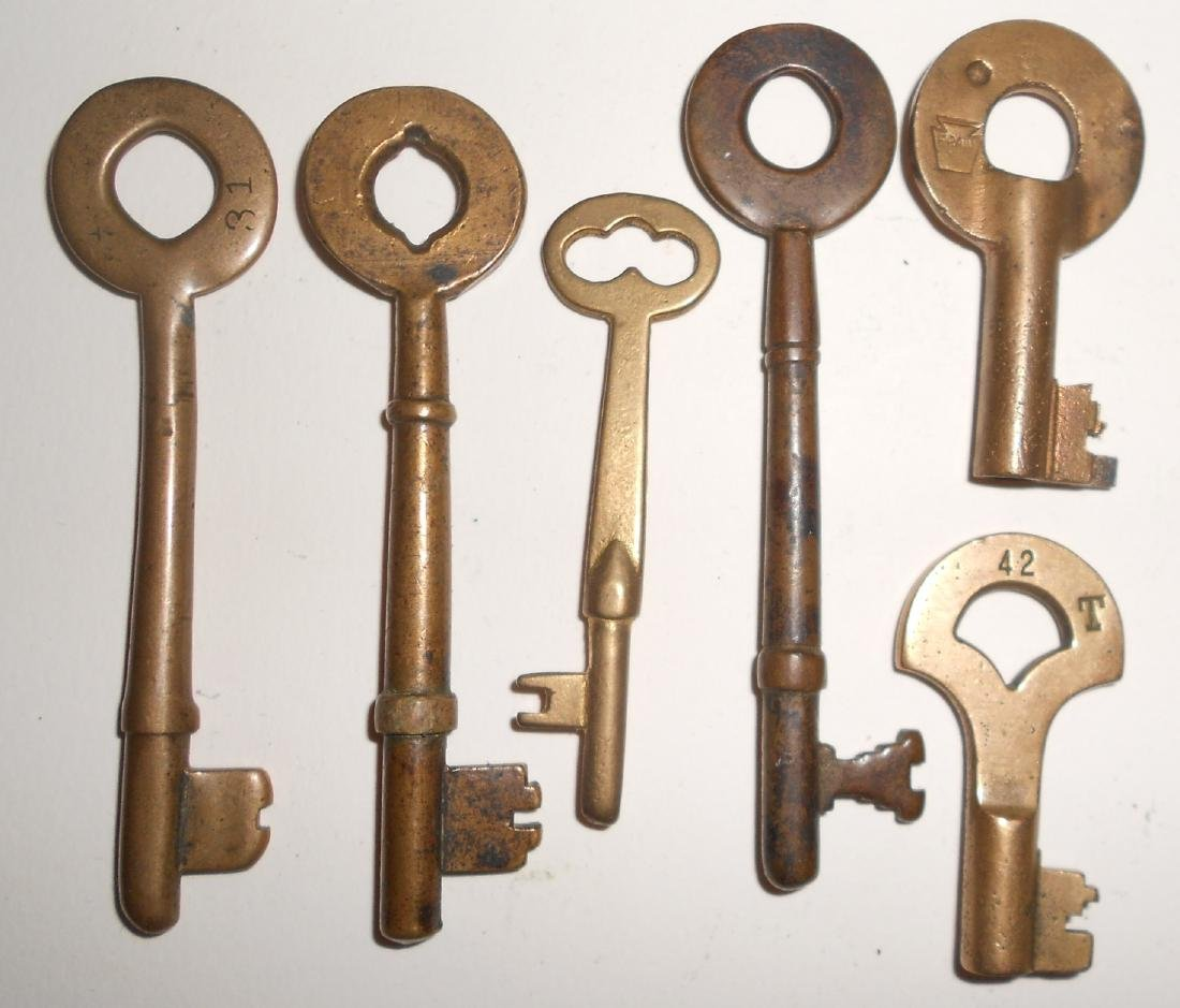 6 Keys with some Coach and Switch - 2