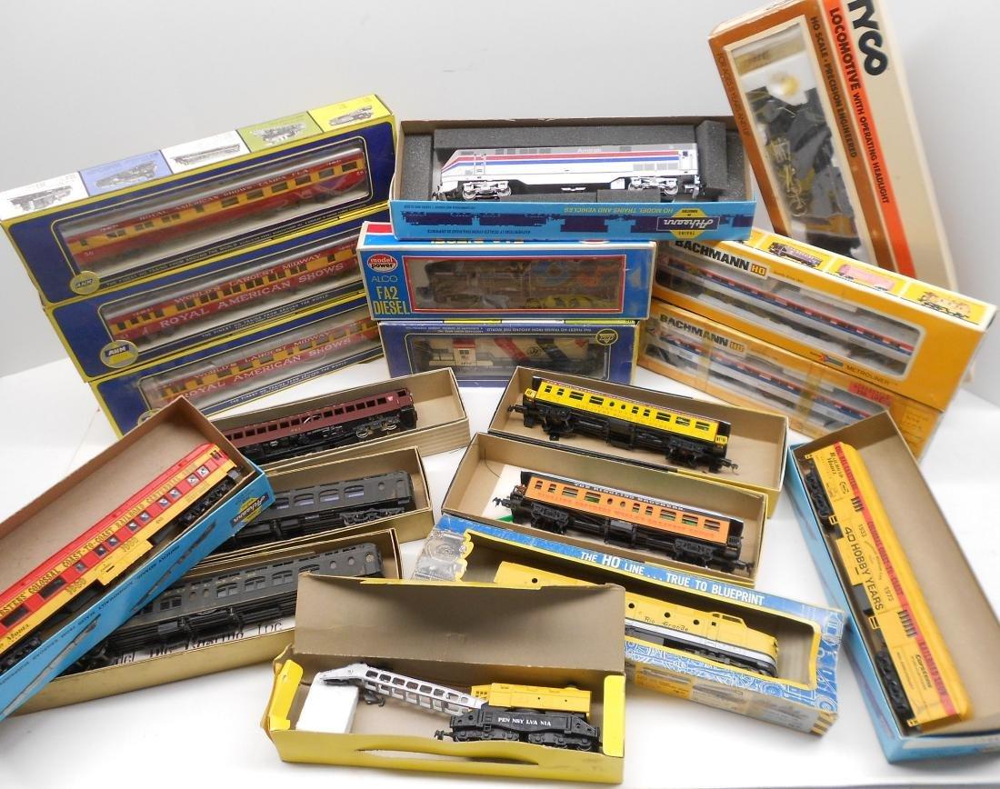 HO Locomotives & Cars Boxed (18)
