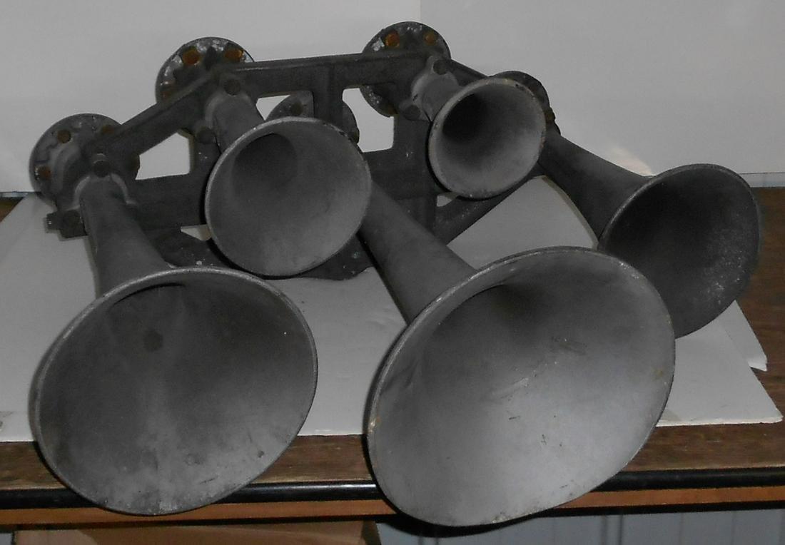 Pennsylvania Railroad EMD E-7 Supertyfon Horn