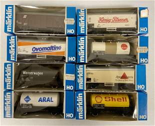 8 Marklin HO Cars, in boxes