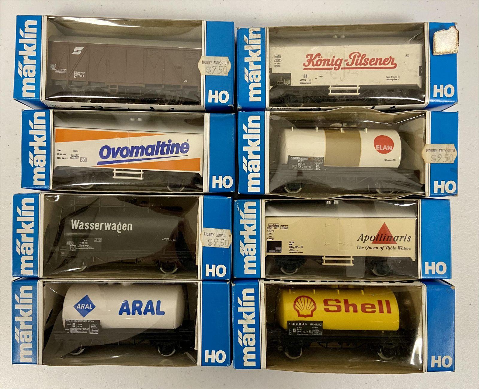 8 Marklin HO Cars, in boxes