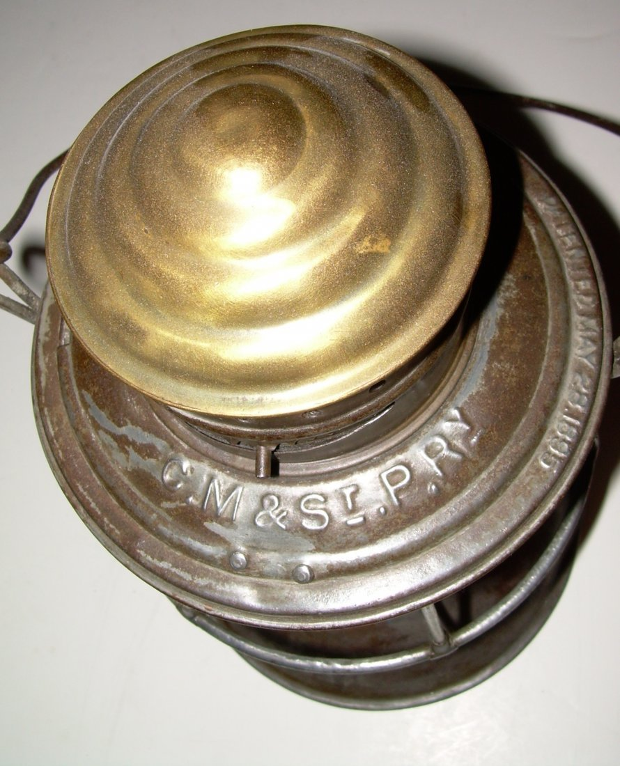 CM&StP RY Brasstop Bellbottom Lantern - 3