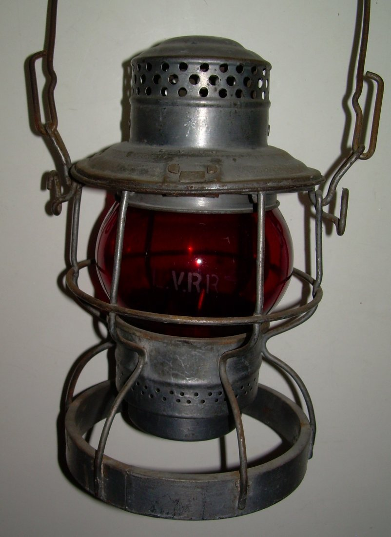 "Lehigh Valley Railroad ""engine base"" Lantern Red"