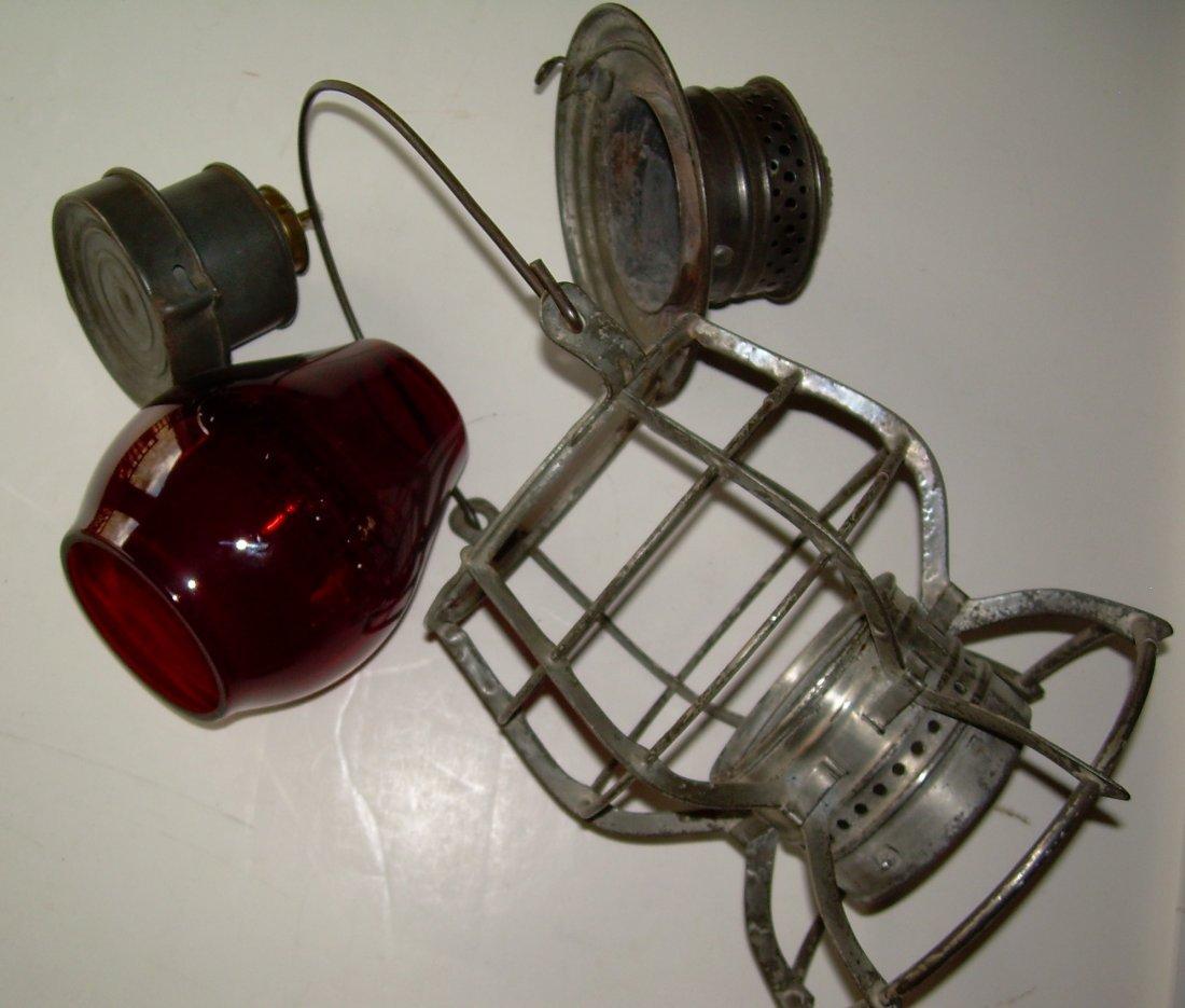 "New Haven ""Adams"" Lantern Red Cast Globe - 5"