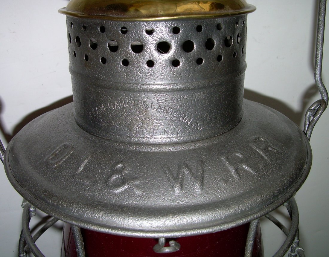 DL&W Railroad Brasstop Bellbottom Lantern Red Cast - 2