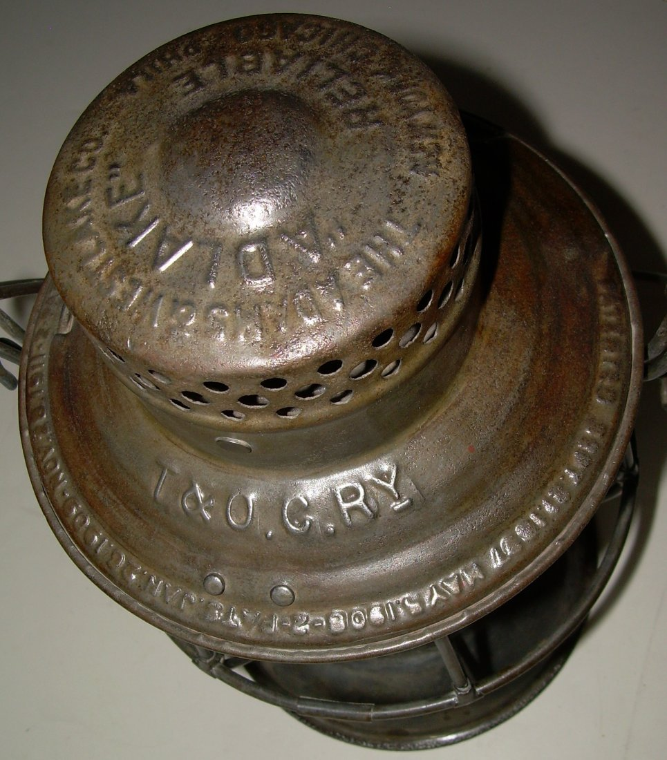 Toledo & Ohio Central Railroad Lantern nice Globe! - 2