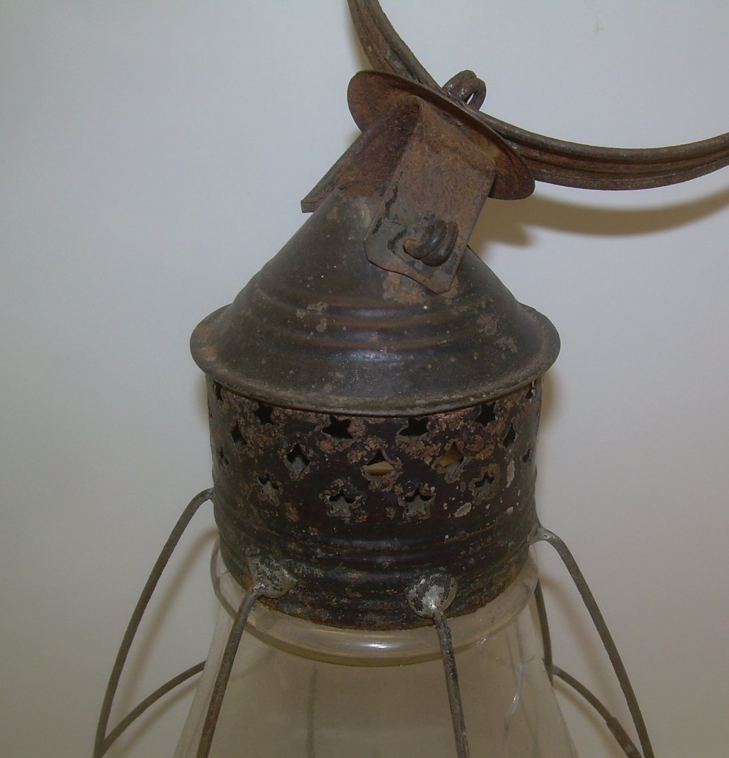 Fixed Globe Lantern with Vertical Wires - crack - 2