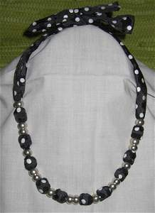 4408: Jewelry Necklace Ribbon Silver Beads Livada
