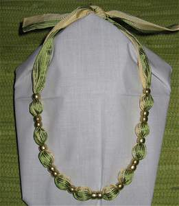 4412: Jewelry Necklace Ribbon Gold Beads Livada