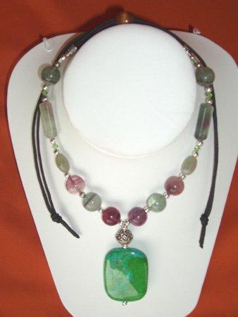 11087: Necklace Silver Green Jewelry Artesana Rozo