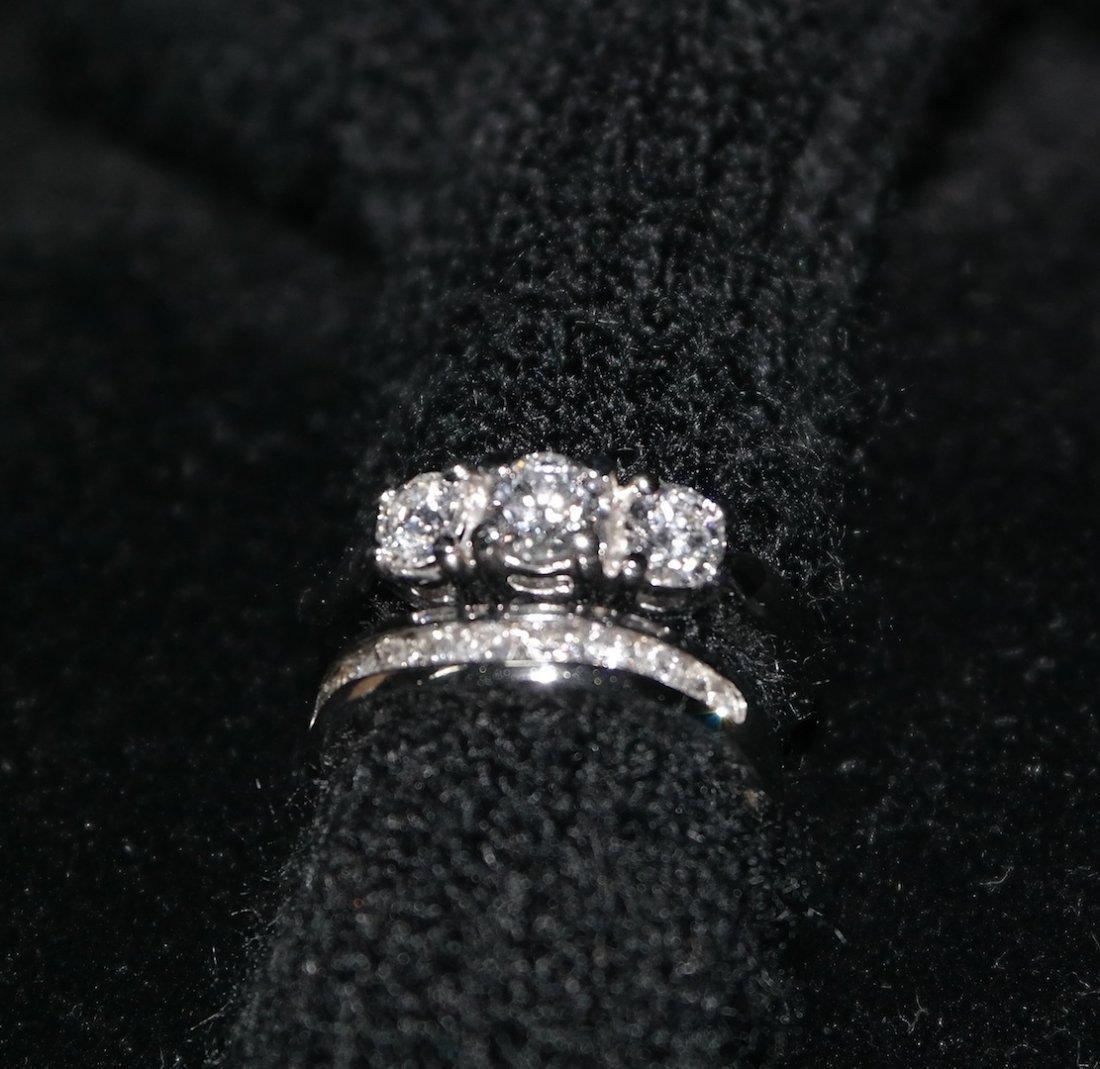 Stunning Wedding/ Engagement Ring Set 18kt WG, 1ct tw,
