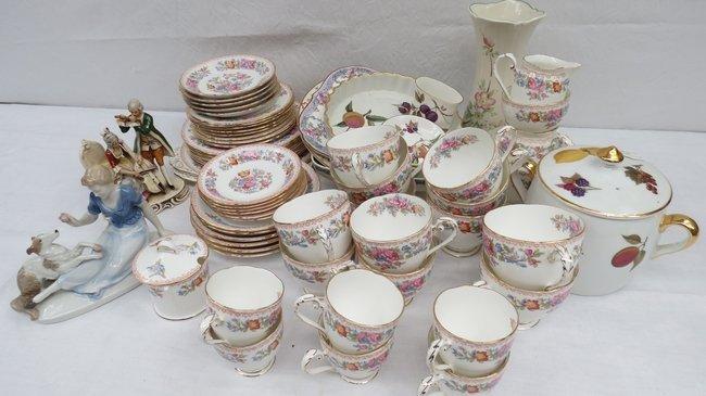 A Royal Worcester porcelain 'Evesham' pattern two handl