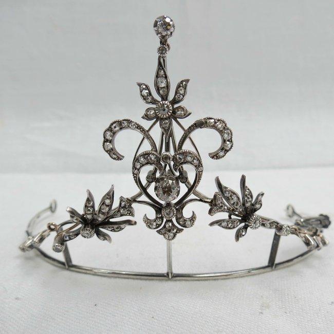 A rare vintage diamond tiara, circa 1900 the central di
