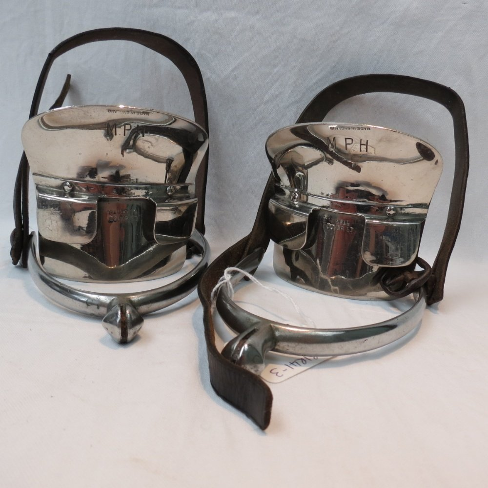 A pair of Maxwell foot slides for huntin