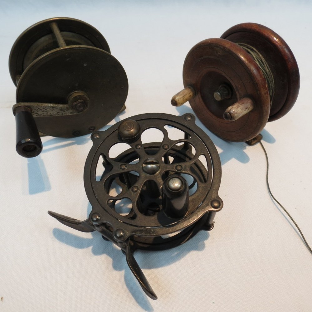 An early 20thC brass winch with a pierce