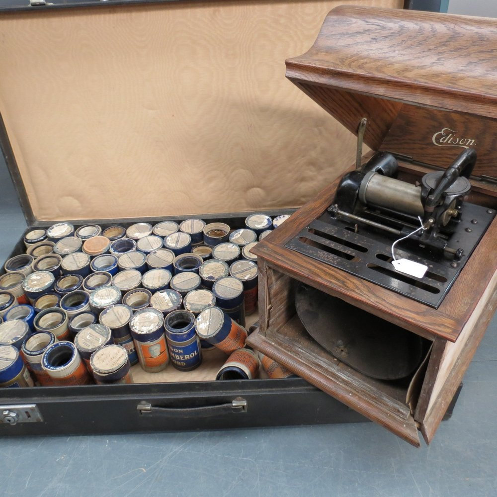 An early 20thC Edison phonograph in an o