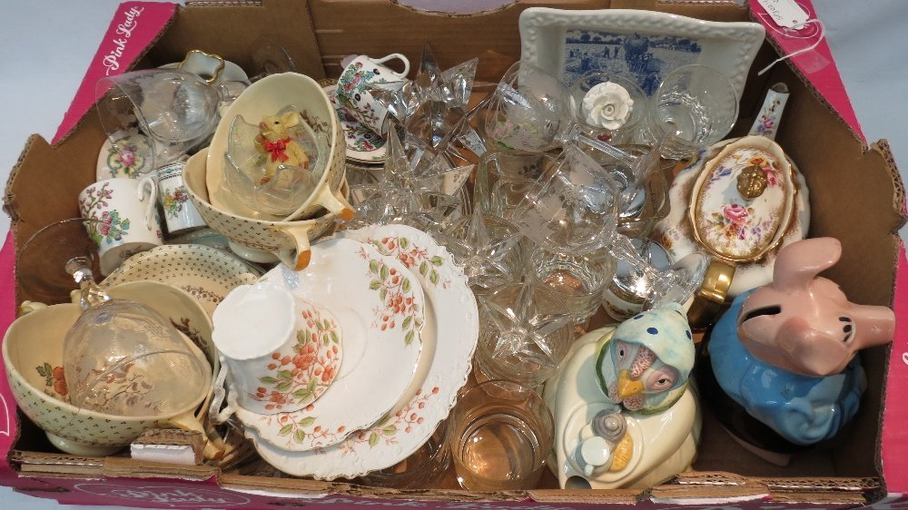 A mixed box of 20thC crockery and glass