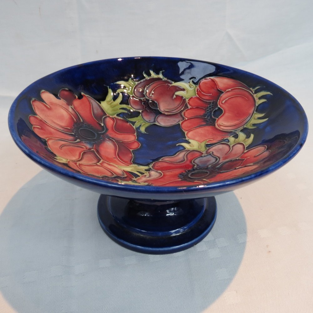 A Moorcroft comport with anemone design