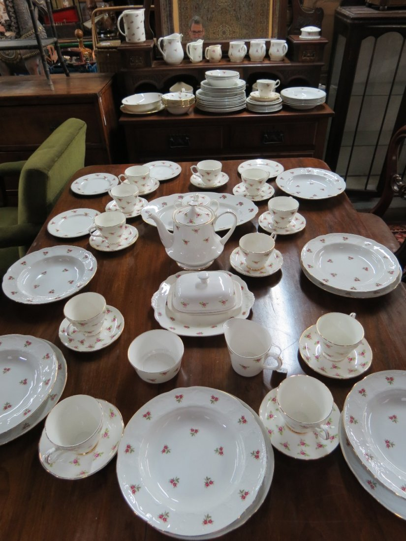 A part dinner service 20thC Staffordshire together with