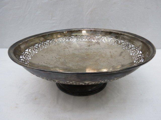 A large silver circular dish Barker Bros, Chester 1926,