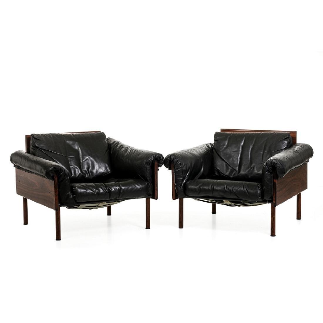 YRJO KUKKAPURO (b.1933) - Pair of Ateljee lounge chairs