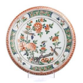 Large Famille Verte Charger in Chinese porcelain,