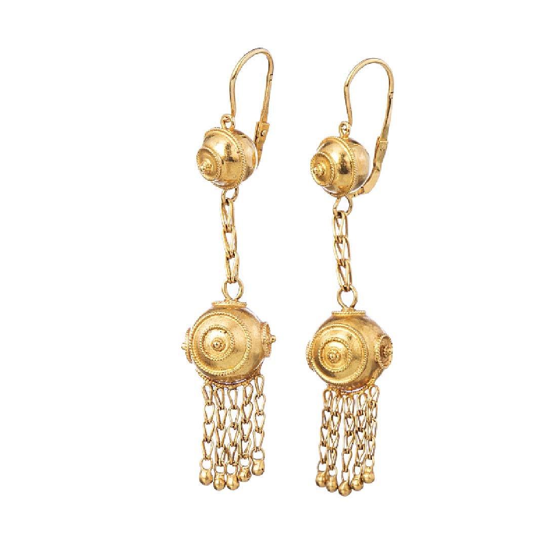Earrings in Portuguese popular gold