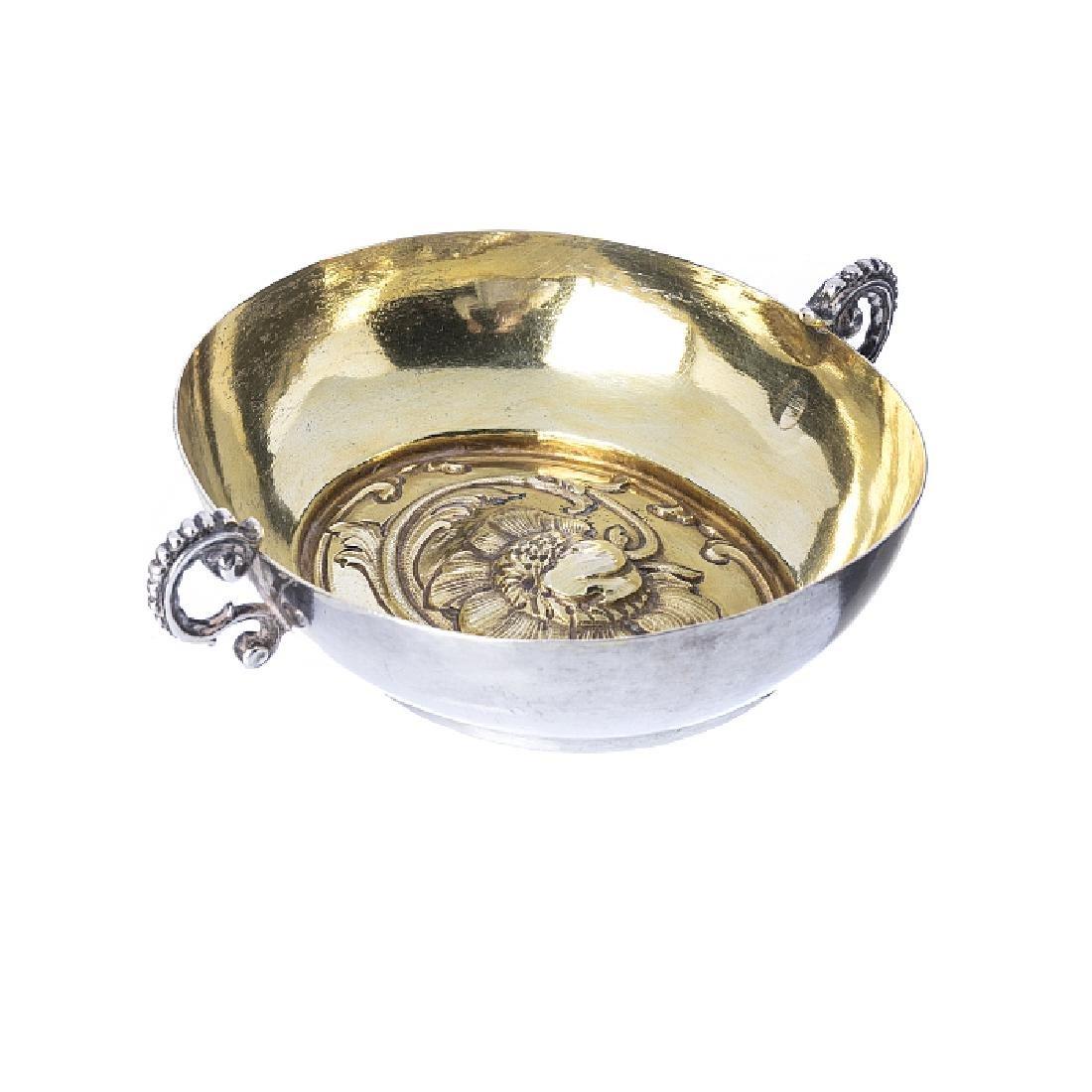 Porringer in silver