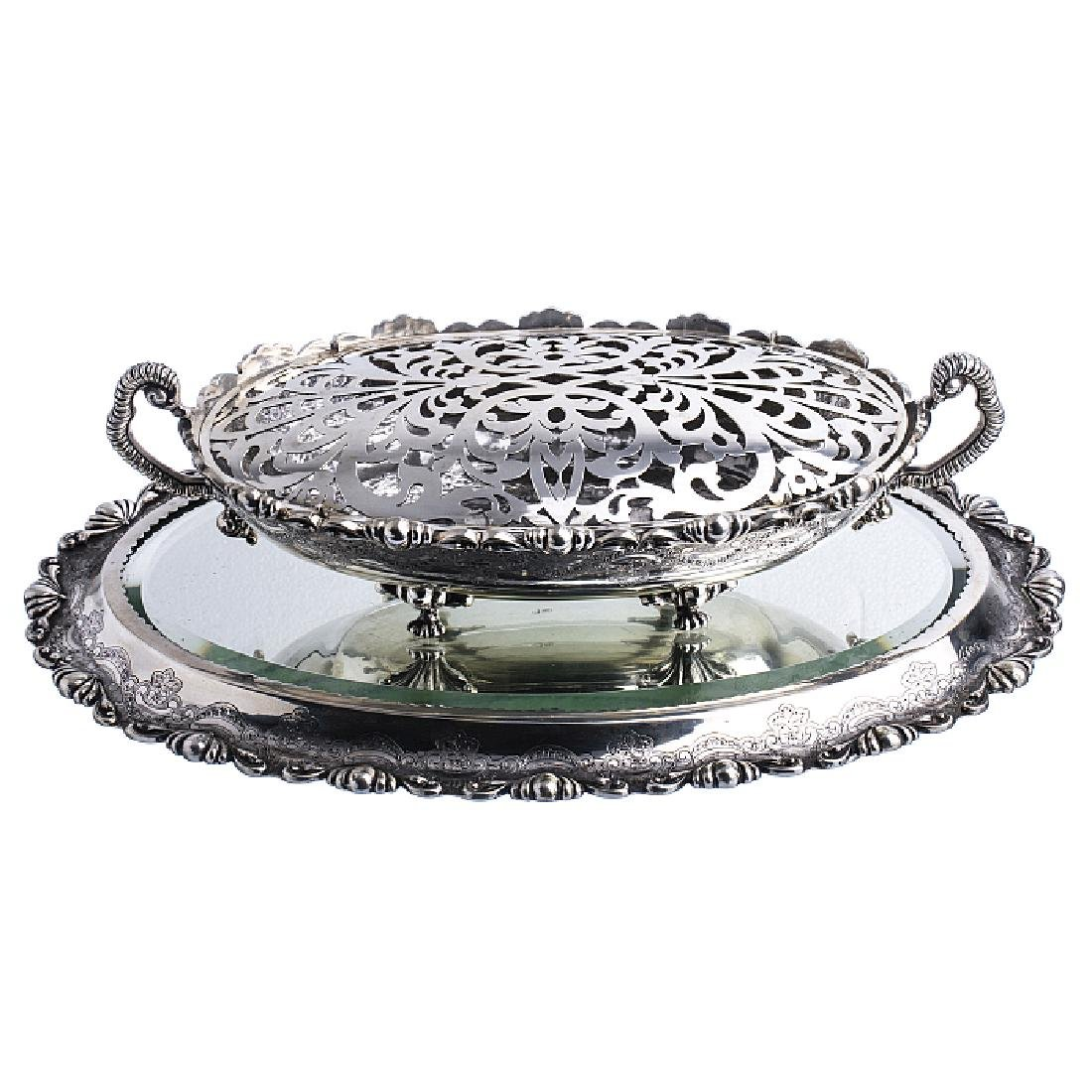 Oval flowerpot with a silver plateau