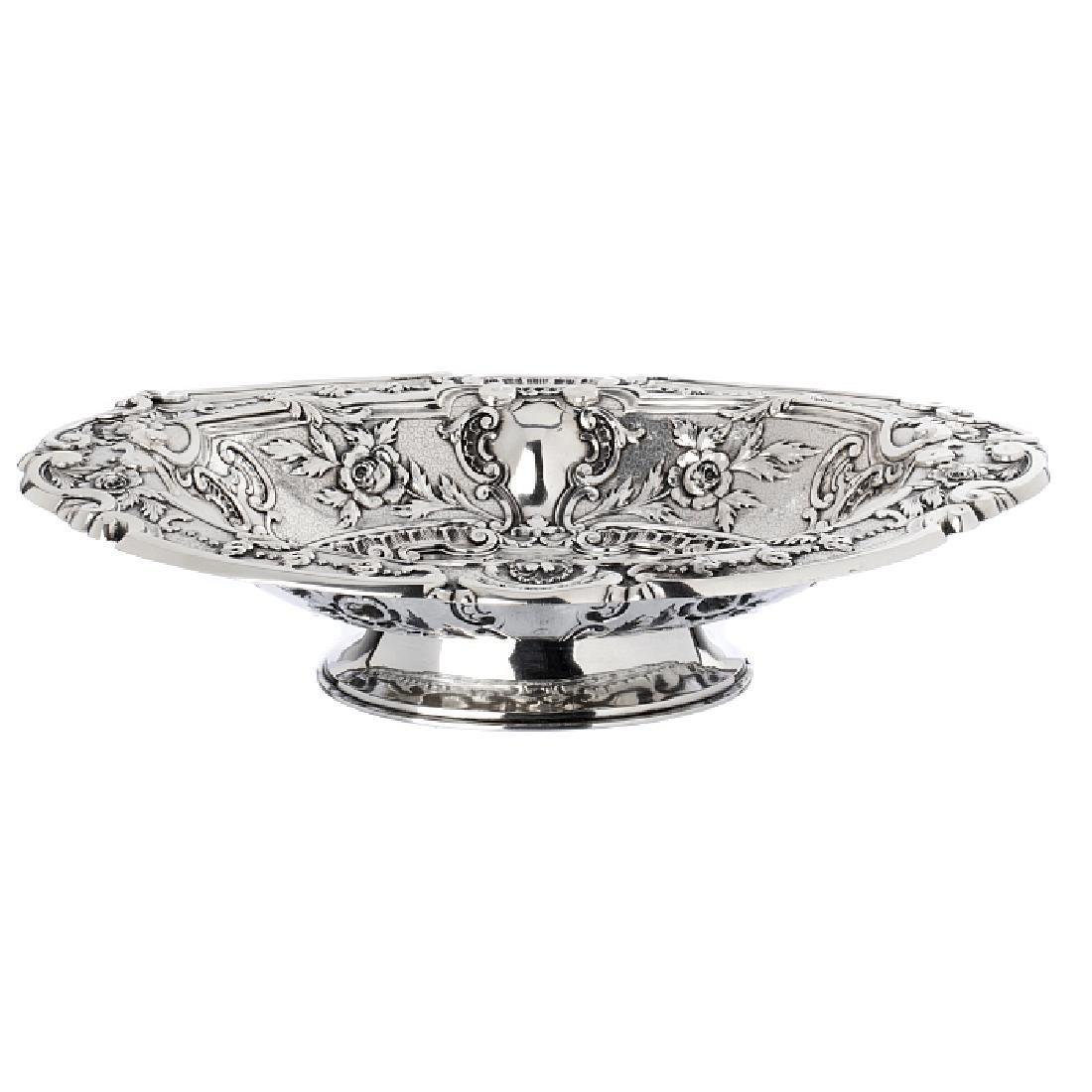 Oval fruit bowl in boar silver