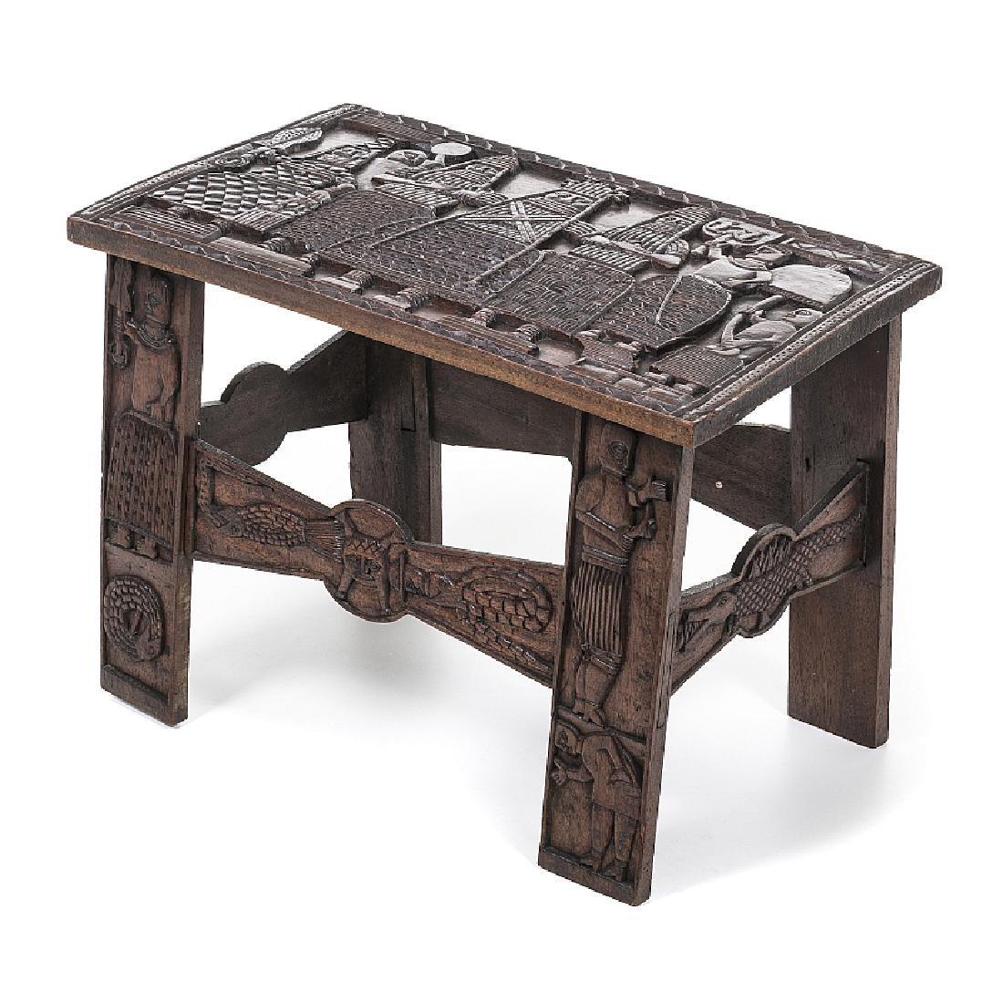 BENIN - Figurative Oba bench