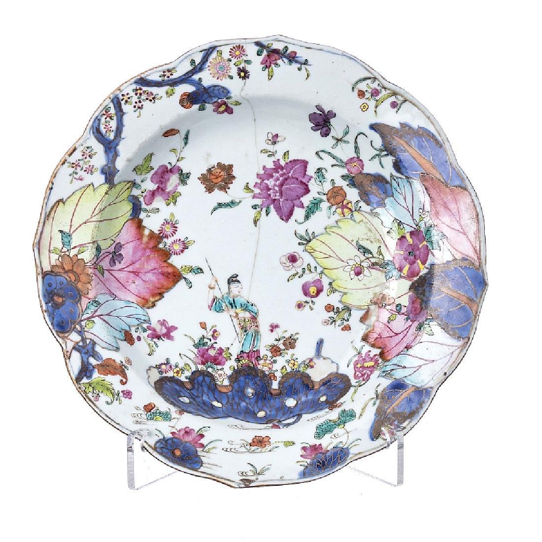 """Tobacco leaf"" figurative plate in Chinese porcelain,"